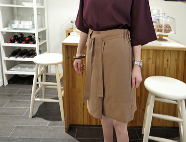 [Shipped the same day] stitch Belt Skirt - up to summer Carmel material chalrang and force-main door Breadth week