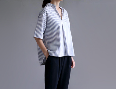 [The day of shipment; sandeu Stripe Blouse - La combustion
