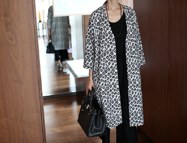 [Shipped the same day [of God to the 5% - Shop Leo Cardigan - black jyagadeu luxurious texture texture