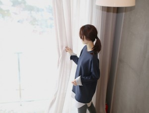 [Shipped the same day] Shirt color combination long mtm - 2c side while I style ~