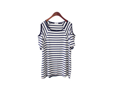 Shoulder-to-shoulder striped tee looks cool Cheerful style