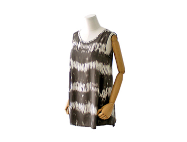 LOTS Sleeveless shirts BL Balanced tops that come to the shoulder line are also affordable and stylish ~