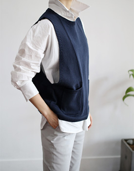 [Same-day delivery] Maison knit Vest wide arm hall point Shirt and Tiedogut ~