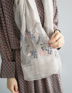 Claire embroidered muffler - 2c is a very luxurious atmosphere Material is really good ^^