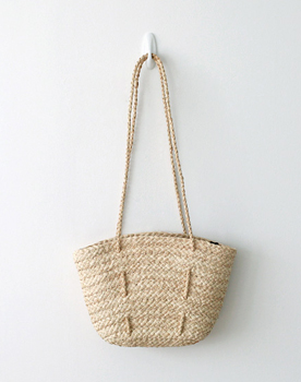Straw shoulder bag light and light ~