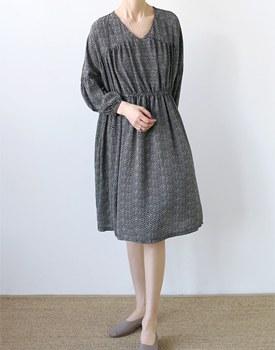 [Same-day shipping] Chiffon marathon dress material in the sky