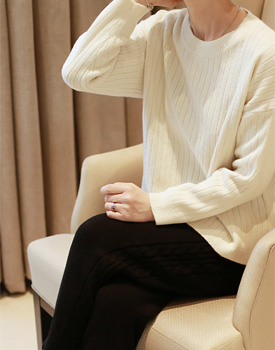 Clear knit top - 3c It is good to wear lightly with fit pit which is moderately comfortable ~